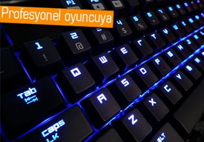 RAZER BLACKWİDOW ULTİMATE OYUNCU KLAVYESİ