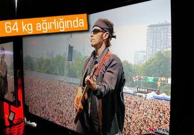 SHARP'TAN 90 İNÇLİK DÜNYANIN EN BÜYÜK LED TV'Sİ