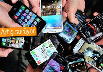 BİR İLK: AKILLI TELEFONLAR İLK KEZ 1 MİLYARI GEÇTİ