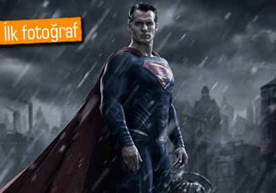 BATMAN VS. SUPERMAN FİLMİNDEKİ SUPERMAN GÖRÜCÜYE ÇIKTI