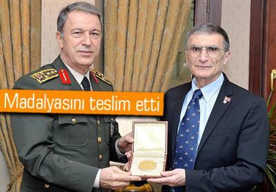 AZİZ SANCAR'IN NOBEL MADALYASI ANITKABİR'DE SERGİLENECEK!