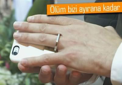 İPHONE'U İLE EVLENDİ!