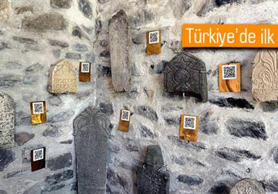 TARİHİ MEZAR TAŞLARINDA 'KAREKOD' DÖNEMİ BAŞLADI
